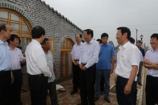 张宝文主席、龙庄伟副主席一行到广宗县调研